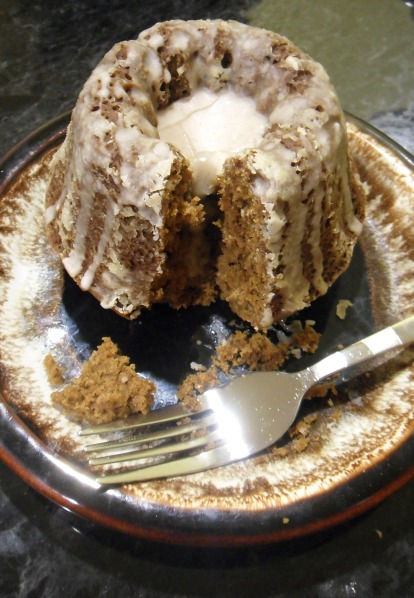 gingerbread bundt mini cake