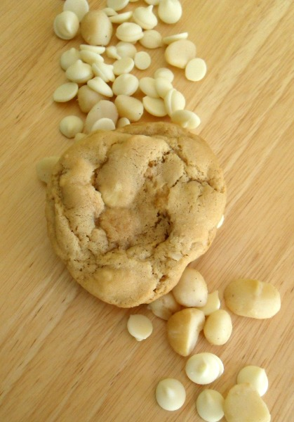white choc mac nut cookie