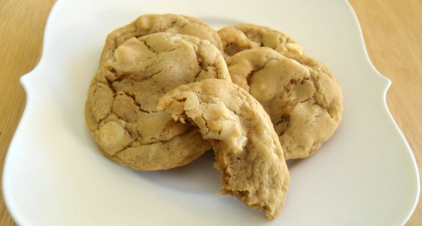white choc mac nut cookies