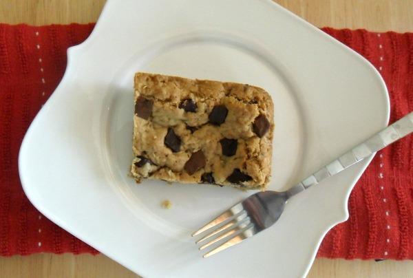 oatmeal chocolate chunk cookie bar