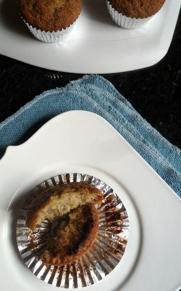 cinnamon swirl banana muffin